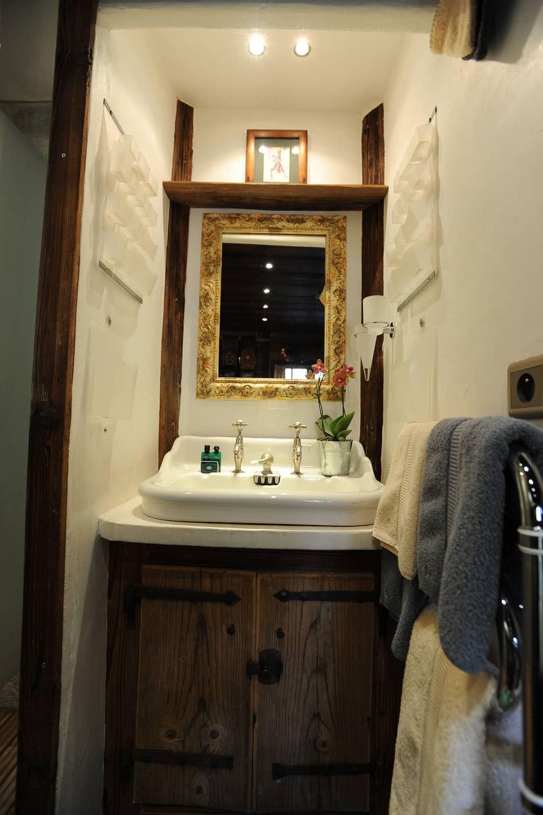 derni re minute ski chamonix chambre aux sonnailles. Black Bedroom Furniture Sets. Home Design Ideas
